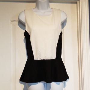 NWT Bloomingdale's Aqua peplum top, Size medium
